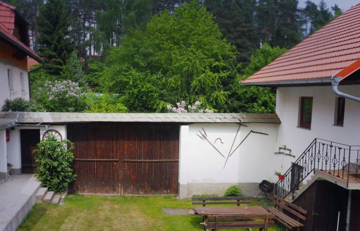 Innenhof des Bauernhofs  der Familie Gutenbrunner in Sankt Leonhard bei Freistadt mit Ferienwohnung
